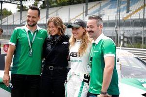 Sophia Flörsch, Abt Sportsline with guests