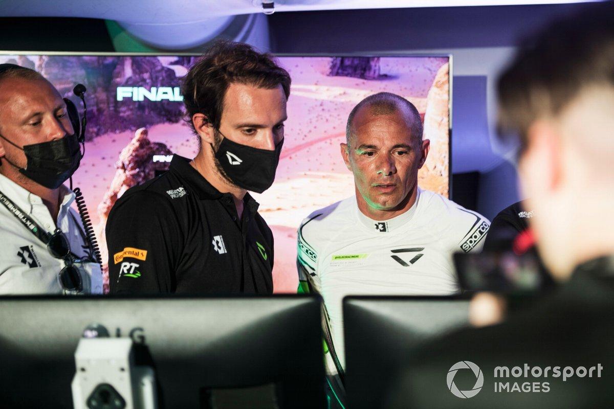 Stephane Sarrazin, Veloce Racing, en el centro de comando