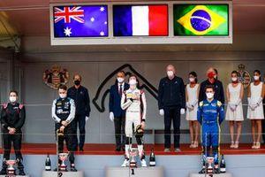 Podium: Race winer Theo Pourchaire, ART Grand Prix, second place Oscar Piastri, Prema Racing, third place Felipe Drugovich, Uni-Virtuosi