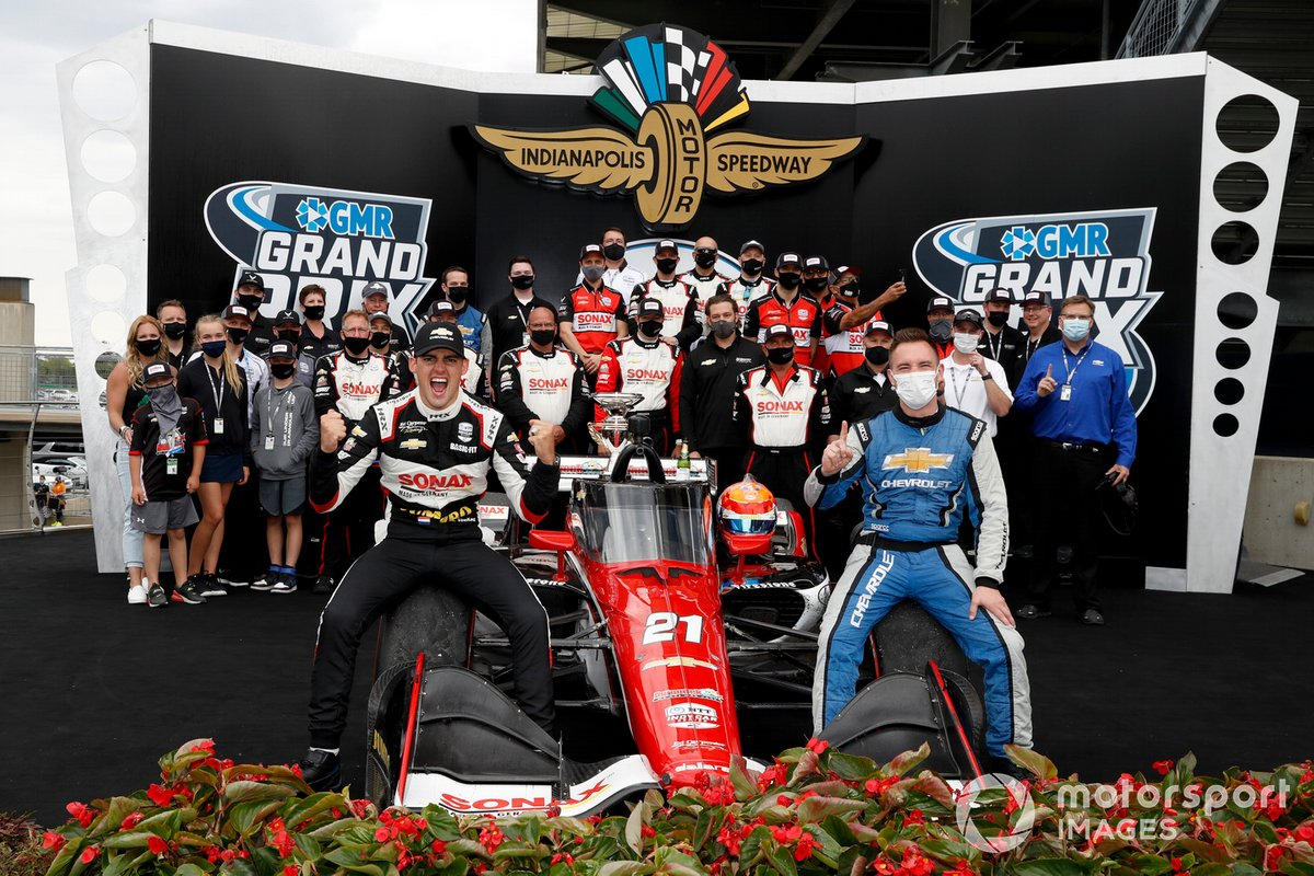 Podio: ganador Rinus VeeKay, Ed Carpenter Racing Chevrolet