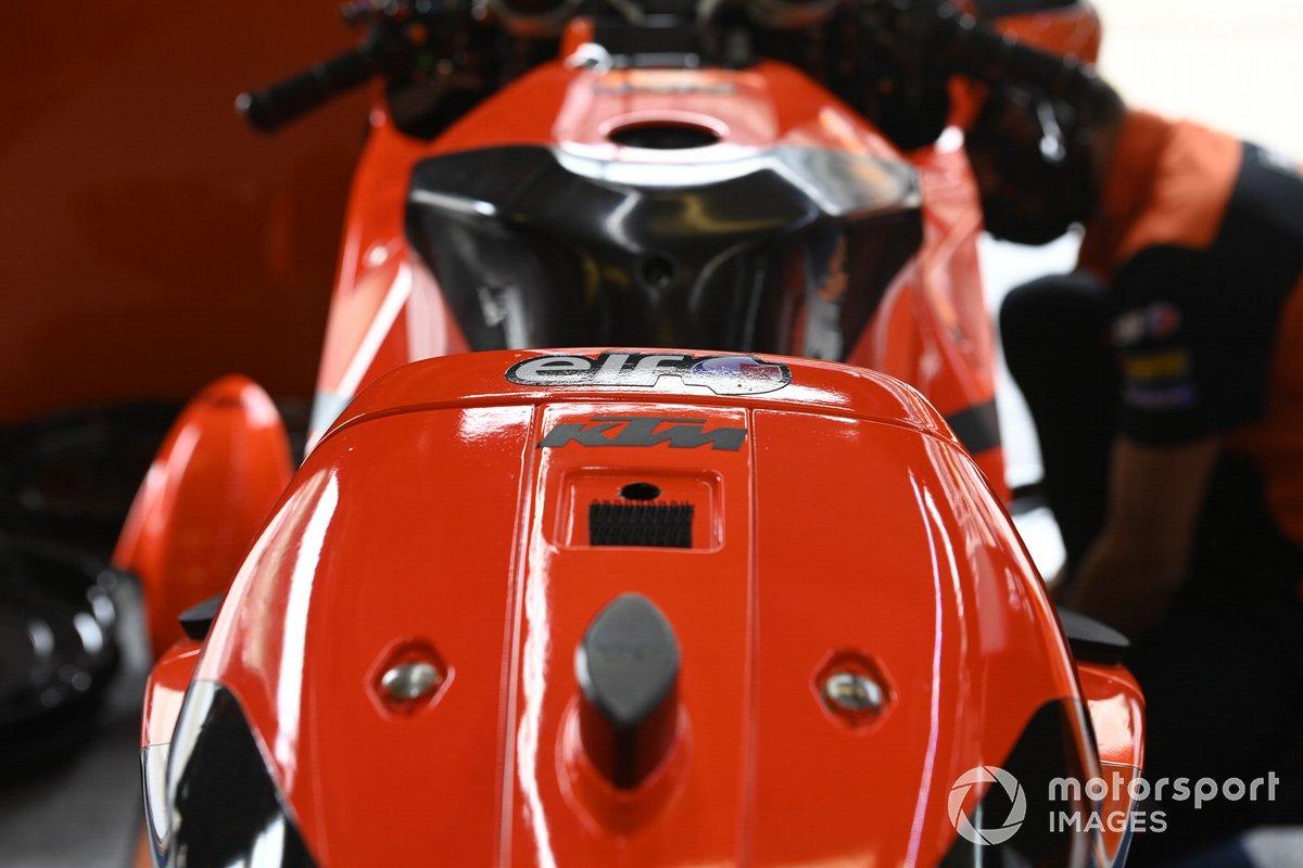 Detalle de la moto KTM Tech3