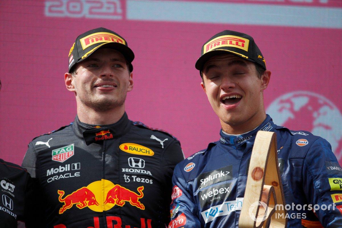 Podio: ganador Max Verstappen, Red Bull Racing tercer lugar Lando Norris, McLaren