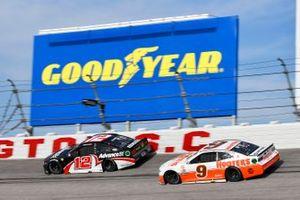 Ryan Blaney, Team Penske, Ford Mustang Advance Auto Parts, Chase Elliott, Hendrick Motorsports, Chevrolet Camaro Hooters Throwback