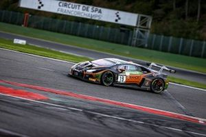 #19 Orange 1 FFF Racing Team Lamborghini Huracan GT3 Evo: Hiroshi Hamaguchi, Phil Keen
