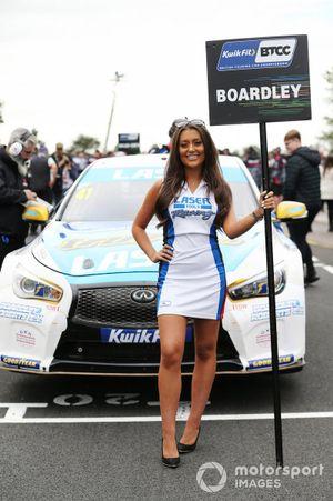 Carl Boardley, Laser Tools Racing Infiniti Q50 Grid Girl