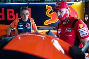 Pedro Acosta, Red Bull KTM Ajo, mit Jack Miller, MotoGP