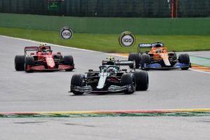 Sebastian Vettel, Aston Martin AMR21, Daniel Ricciardo, McLaren MCL35M, Carlos Sainz Jr., Ferrari SF21