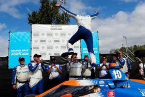 Alex Palou, Chip Ganassi Racing Honda celebrates in victory lane
