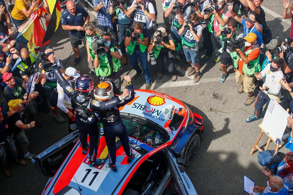 Vincitore Thierry Neuville, Martijn Wydaeghe, Hyundai Motorsport Hyundai i20 Coupe WRC