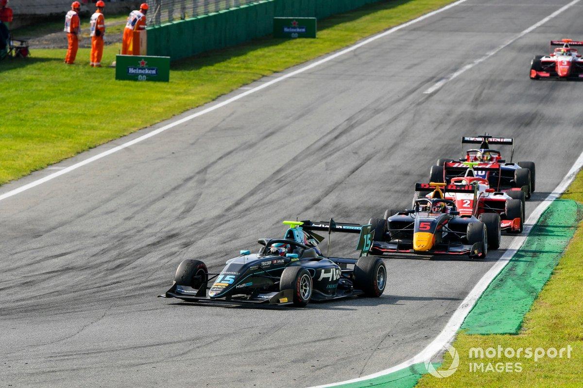 Jake Hughes, HWA Racelab y Liam Lawson, Hitech Grand Prix