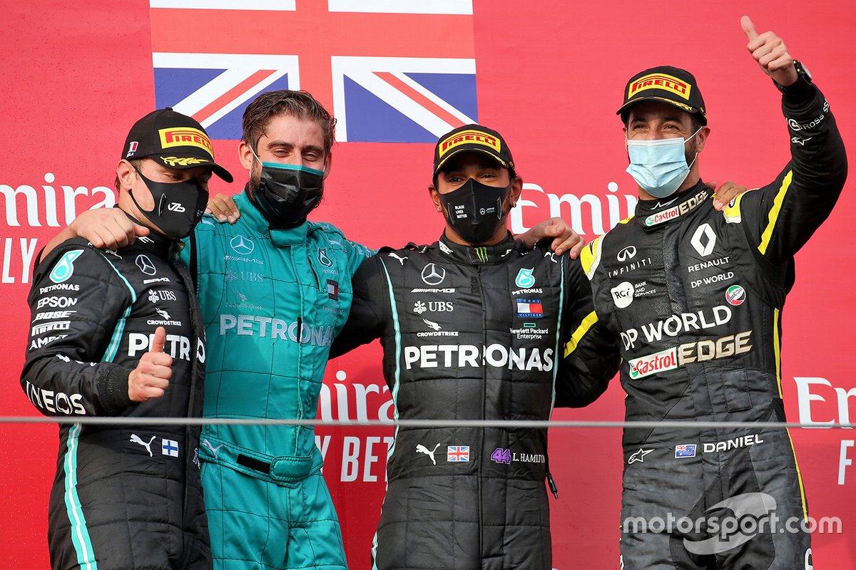 Podio: il vincitore della gara Lewis Hamilton, Mercedes F1, secondo classificato place Valtteri Bottas, Mercedes F1, terzo classificato Daniel Ricciardo, Renault F1 Team