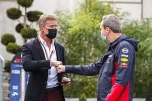 Presenter David Coulthard with Jonathan Wheatley, Team Manager, Red Bull Racing