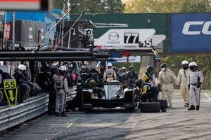 #5 Mustang Sampling Racing / JDC-Miller MotorSports Cadillac DPi, DPi: Sebastien Bourdais, Joao Barbosa, pit stop