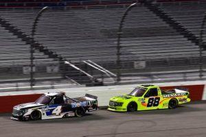 Raphael Lessard, Kyle Busch Motorsports, Toyota Tundra Mobil 1 Matt Crafton, ThorSport Racing, Ford F-150 Ideal Door/Menards