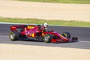 Sebastian Vettel, Ferrari SF1000, parks up