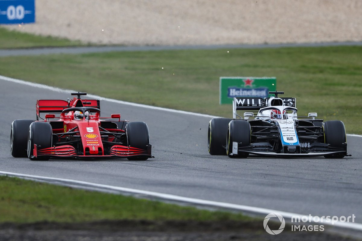 Sebastian Vettel, Ferrari SF1000, se bat avec George Russell, Williams FW43