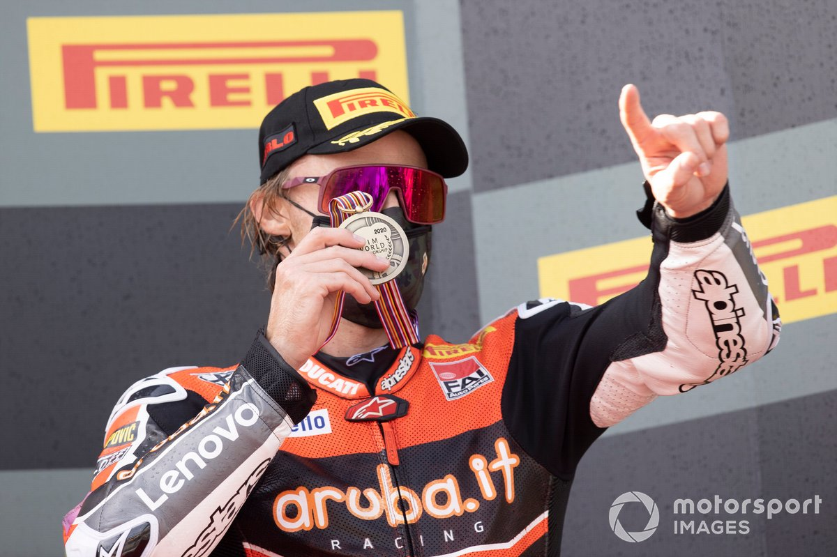 Chaz Davies, ARUBA.IT Racing Ducati con la medaglia