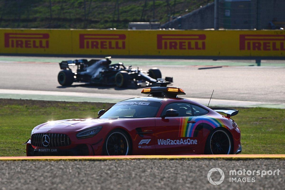 Машина безопасности и Льюис Хэмилтон, Mercedes F1 W11