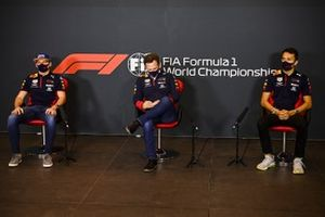 Max Verstappen, Red Bull Racing, Christian Horner, Team Principal, Red Bull Racing, and Alex Albon, Red Bull Racing, in a Press Conference