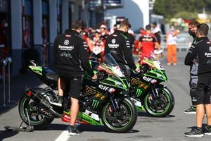 Jonathan Rea, Kawasaki Racing Team, Alex Lowes, Kawasaki Racing Team bike