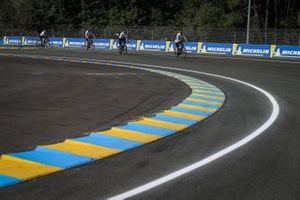 Visita al circuito por parte del equipo Toyota Gazoo Racing