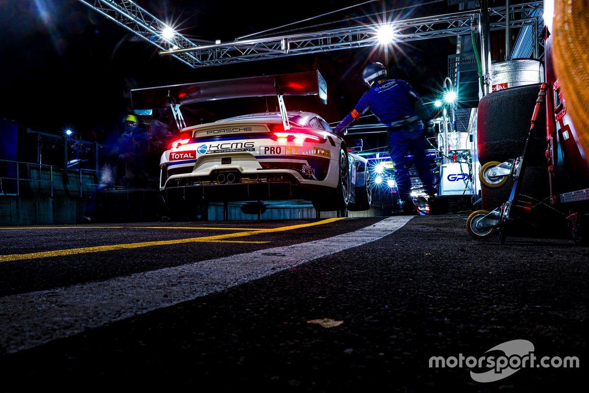#47 KCMG Porsche 911 GT3-R: Michael Christensen, Richard Lietz, Kevin Estre