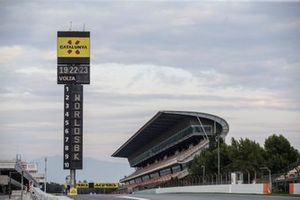 Track, grandstand