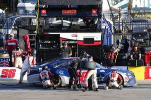 #96: Daniel Suarez, Gaunt Brothers Racing, Toyota Camry Team USA Toyota pit stop