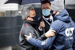 Masashi Yamamoto, General Manager, Honda Motorsport and Daniil Kvyat, AlphaTauri
