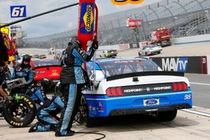 Chase Briscoe, Stewart-Haas Racing, Ford Mustang HighPoint.com pit stop