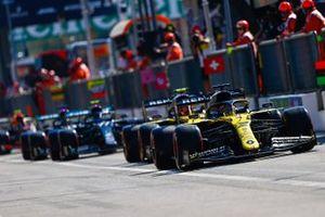 Daniel Ricciardo, Renault F1 Team R.S.20, Esteban Ocon, Renault F1 Team R.S.20, and Valtteri Bottas, Mercedes F1 W11