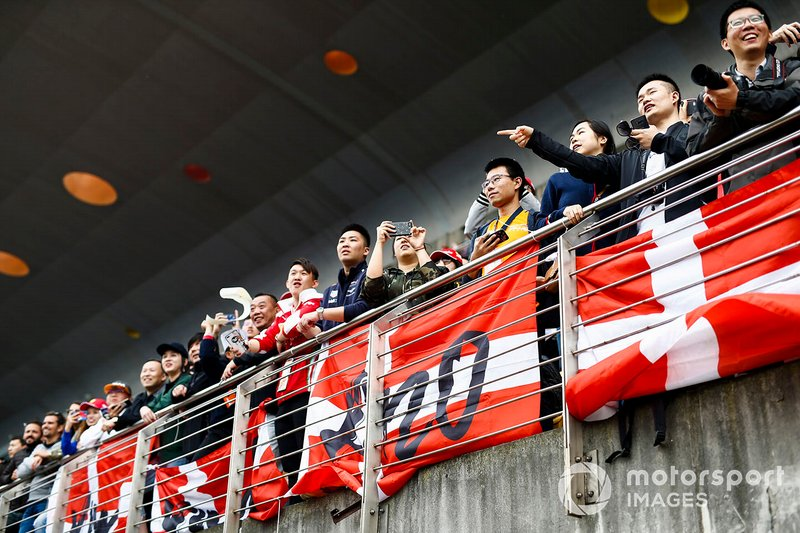 Fans of Kevin Magnussen, Haas F1