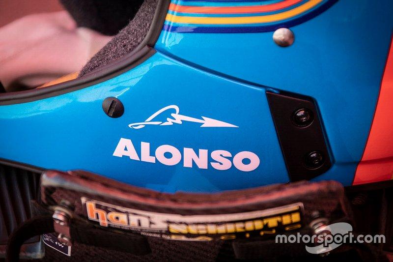 301# Toyota Gazoo Racing Toyota Hilux: Fernando Alonso, kask detayı