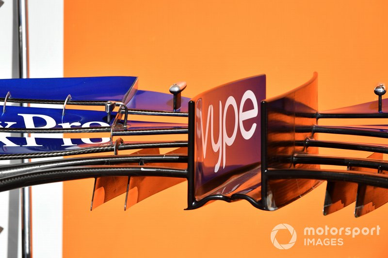 McLaren MCL34 front wing