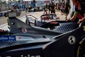 Robin Frijns, Envision Virgin Racing, Audi e-tron FE05, in the pit lane