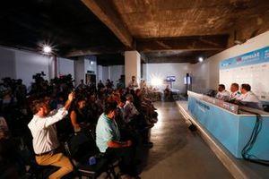 Dilbagh Gill, CEO, Director del Equipo, Mahindra Racing, Michael Andretti, Propietario del Equipo BMW i Andretti Motorsports, Ulrich Fritz, CEO de HWA AG, en la rueda de prensa previa a la carrera