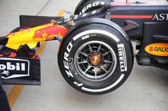 Detalle de la rueda del Red Bull Racing RB15