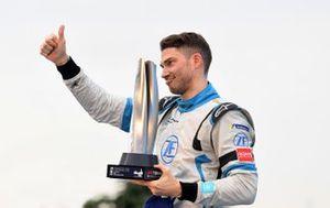Edoardo Mortara, Venturi Formula E festeggia la seconda posizione sul podio