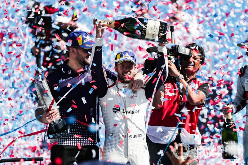 Sam Bird, Envision Virgin Racing, celebrates with Leon Price, Team, Sporting manager, Envision Virgin Racing