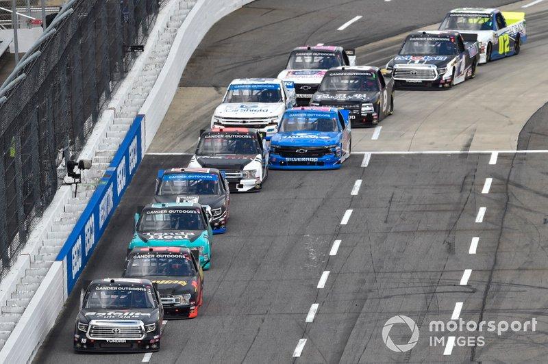 Harrison Burton, Kyle Busch Motorsports, Toyota Tundra Safelite AutoGlass, Grant Enfinger, ThorSport Racing, Ford F-150 Curb Records, Johnny Sauter, ThorSport Racing, Ford F-150 Tenda Heal