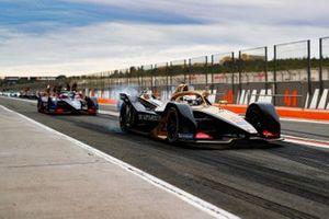 Jean-Eric Vergne, DS TECHEETAH, DS E-Tense FE20, Sam Bird, Envision Virgin Racing, Audi e-tron FE06 in the pit lane