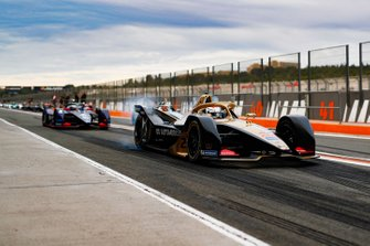 Jean-Eric Vergne, DS TECHEETAH, DS E-Tense FE20, Sam Bird, Envision Virgin Racing, Audi e-tron FE06 in the pit lane