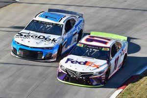 Denny Hamlin, Joe Gibbs Racing, Toyota Camry FedEx Freight, Landon Cassill, StarCom Racing, Chevrolet Camaro Sea Deck/Units