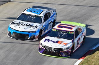 Denny Hamlin, Joe Gibbs Racing, Toyota Camry FedEx Freight, Landon Cassill, StarCom Racing, Chevrolet Camaro Sea Deck/Units