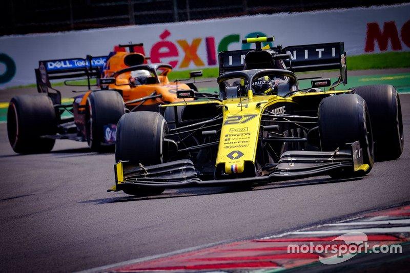 Nico Hulkenberg, Renault F1 Team R.S.19,Carlos Sainz Jr., McLaren MCL34