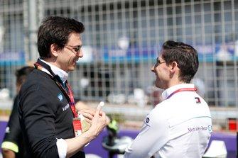 Toto Wolff with Ian James, Team Principal, Mercedes-Benz EQ