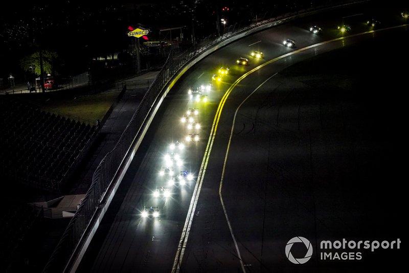 Carrera de noche, #77 Mazda Team Joest Mazda DPi, DPi: Oliver Jarvis, Tristan Nunez, Olivier Pla, restart