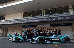 James Calado, Jaguar Racing, Jaguar I-Type 4 , Mitch Evans, Jaguar Racing pose for a photograph with members of the team