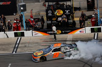Noah Gragson, JR Motorsports, Chevrolet Camaro, burnout