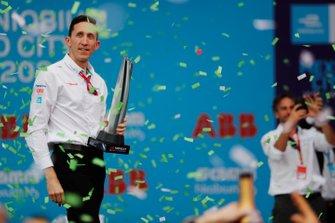 James Barclay, directeur d'équipe, Panasonic Jaguar Racing celebrates on the podium